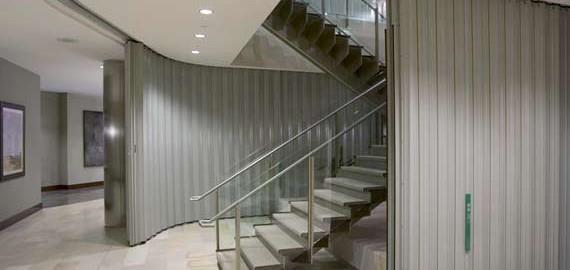 Banner-Vertical-Exit-Closing-570-v2